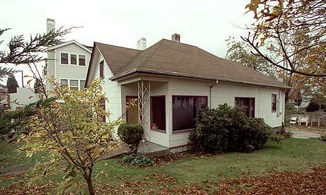 jimi hendrix 39 s childhood home demolished music the guardian. Black Bedroom Furniture Sets. Home Design Ideas