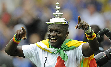 [Immagine: Sulley-Muntari-FA-Cup-Por-001.jpg]