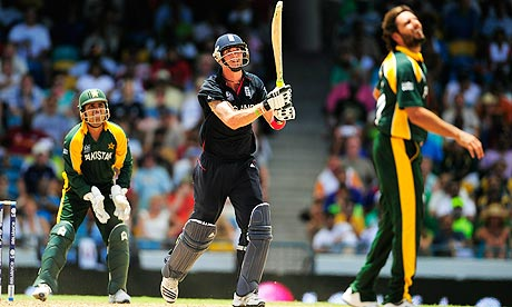England batsman Kevin Pietersen and Pakistan's Kamran Akmal and Shahid Afridi at the World Twenty20
