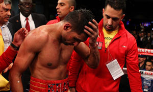 Amir Khan loses to Lamont Peterson