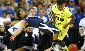 Xavier Musketeers' Dee Davis and Baylor Bears' Pierre Jackson. March madness
