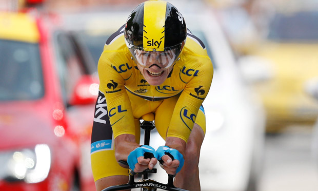 Chris Froome on his way t 011
