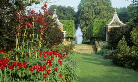 The Red Border at Hidcote Manor Gardens, Gloucestershire