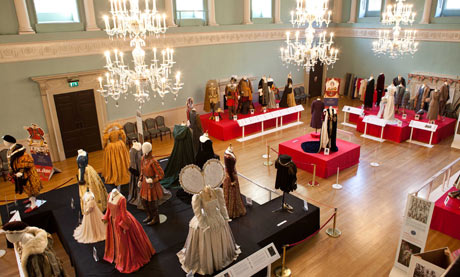 Jubilee: Dressing the Monarchy on Stage and Screen at Bath's Fashion Museum