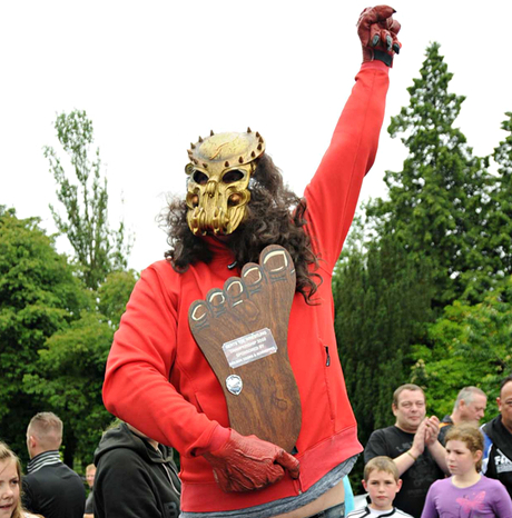World Toe Wrestling Champioonships at the Bentley Brook Inn in Ashbourne, Derbyshire